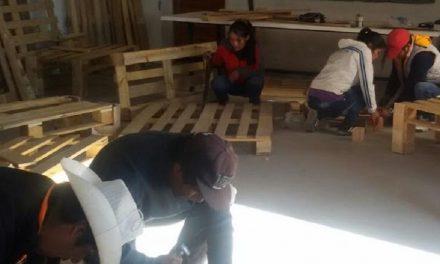 El primer taller de muebles comunitario, prueba de compromiso recíproco