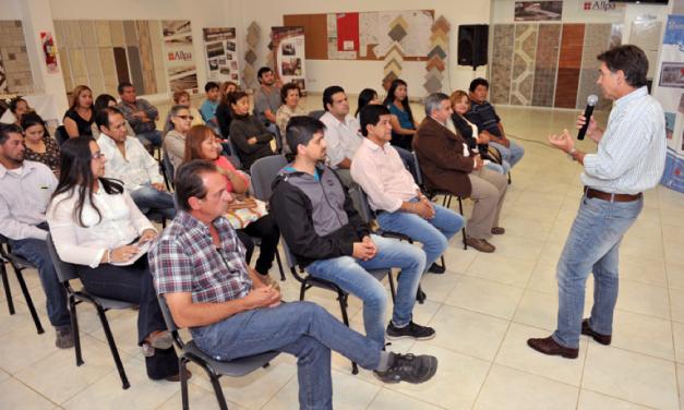 Cerámica Alberdi: finalizó el curso de colocación de cerámica y mosaiquismo